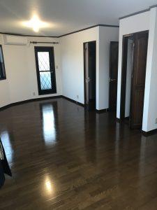 桜丘戸建て2階洋室
